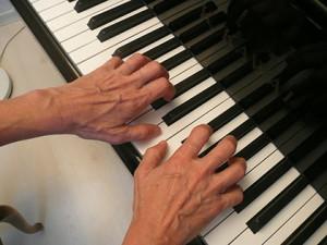 mauvaise posture des mains pour le piano